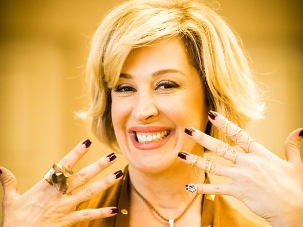 Claudia Raia exibe os anéis de Samantha, que se tornaram tendência em 2014 (Foto: João Miguel Júnior/ TV Globo)