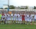 Jogo dos Amigos reúne craques e leva três mil pessoas ao Joaquinzão