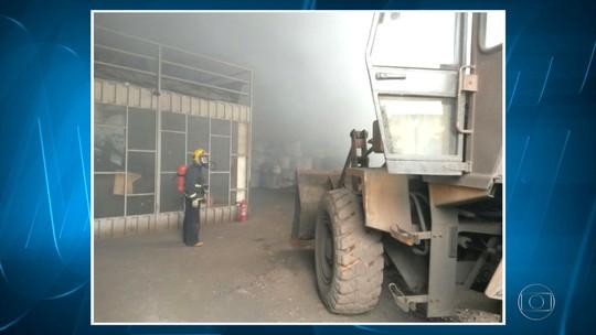 Incêndio atinge fábrica em Sabará, na Região Metropolitana de Belo Horizonte