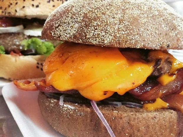 Segunda edição do evento contará com concurso que vai eleger melhor hambirguer artesanal (Foto: Guerrilha Burgers/Divulgação)