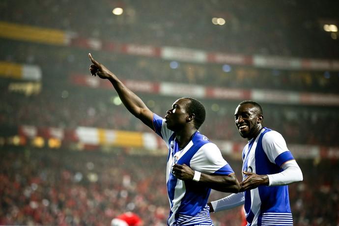 Aboubakar, Benfica x Porto (Foto: EFE /EPA /Jose Sena Goulao)
