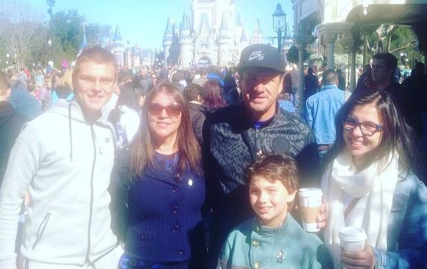 Dunga com a família na Disney