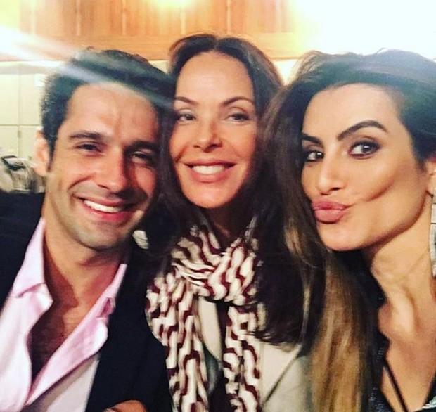 Haja Coração: João Baldasserini, Carolina Ferraz e Cleo Pires (Foto: Reprodução/Instagram)