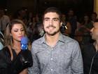Caio Castro e Maria Casadevall chegam juntos a pré-estreia