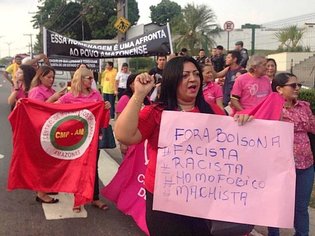 Manifestação em Manaus iniciou por volta das 17h (Foto: Indiara Bessa/G1 AM)