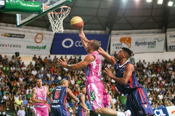 Bauru Basket x Franca, Campeonato Paulista, Alex Garcia (Foto: Caio Casagrande / Bauru Basket)