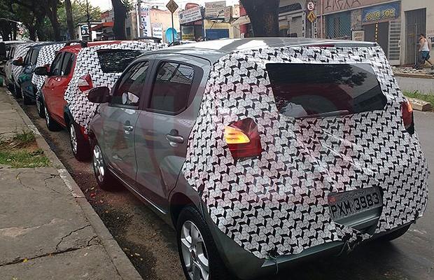Fiat Mobi camuflado para treinamento de concessionários (Foto: Tereza Consiglio/Autoesporte)