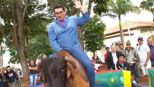 Revista de Sábado procura o sucessor de Silvano Alves, o peão mais famoso de Pilar do Sul