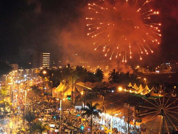 Festa da Virada em 2012 lotou as praias de Caraguatatuba. (Foto: Assessoria de Imprensa/Caraguatatuba)