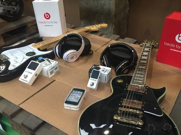 Eletrônicos e instrumentos musicais também farão parte de leilão (Foto: Divulgação: Receita Federal)