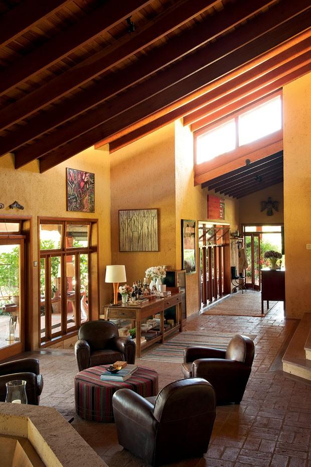 D cor do dia r stico e iluminado casa vogue interiores - Interiores rusticos de casas ...