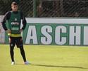 Liberado pelo São Paulo, Henrique Miranda chega e treina no Figueirense