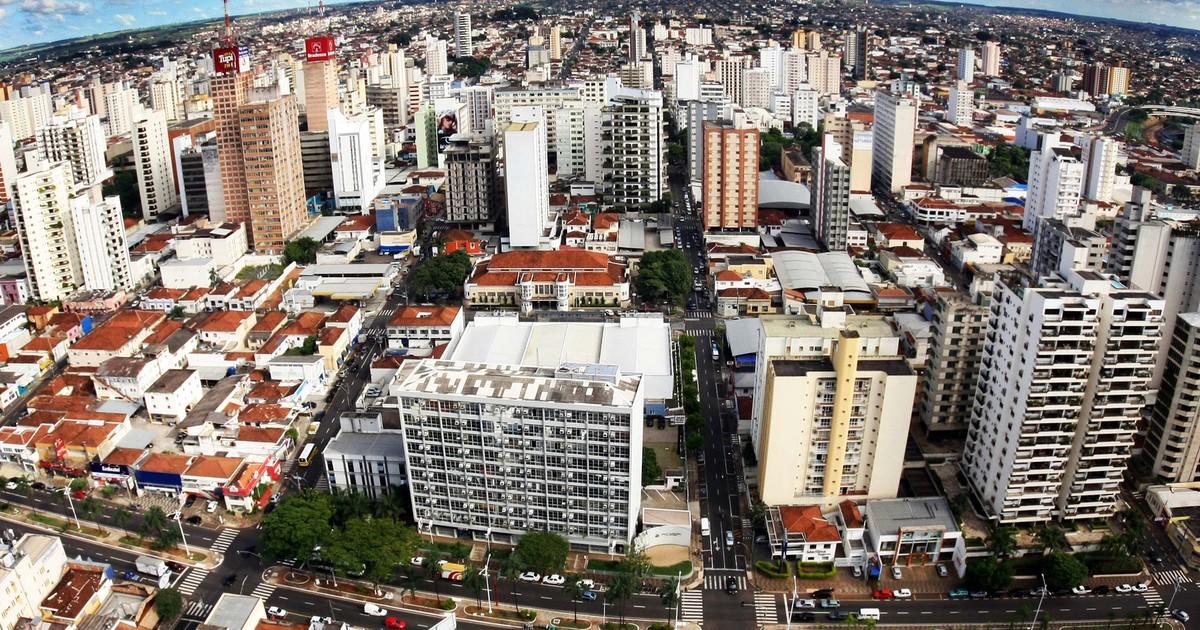 Prefeitura de Rio Preto vai entregar boletos do IPTU até fevereiro - Globo.com