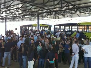 Inauguração sistema BRT Paulo Piau Uberaba transporte coletivo  (Foto: Alex Rocha/ G1)
