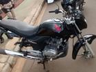 Motocicleta tem rodas furtadas (Enquanto Isso em Araguaína/Divulgação)