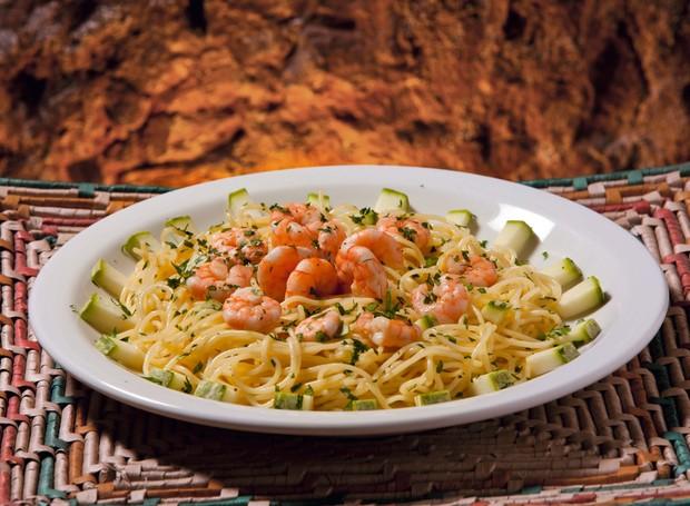 Spaghetti Nonna com camarões e abobrinha, da La Pizzeria (Foto: Divulgação)