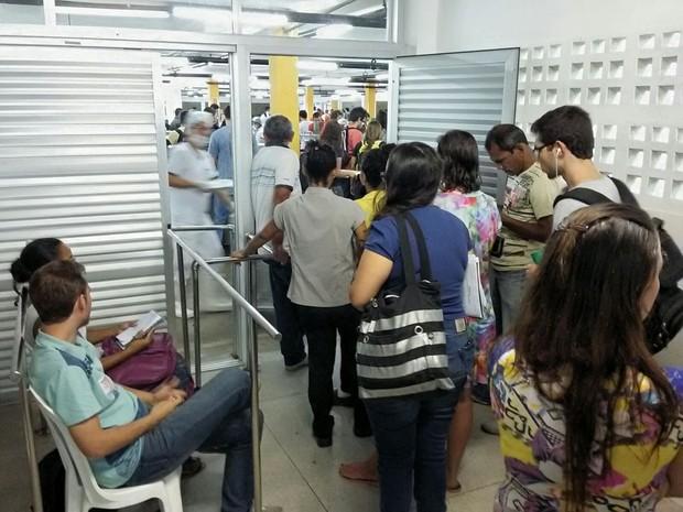 Em greve, servidores liberam catracas de Restaurante Universitário na Ufes (Foto: Ascom/ Sintufes)