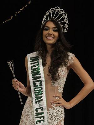 A brasileira Priscilla Durand após ser coroada Rainha Internacional do Café (Foto: Divulgação/Miss Mundo Brasil)