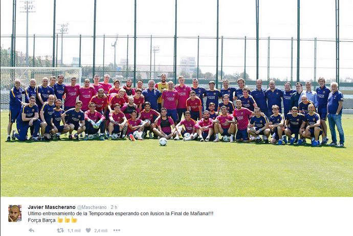 BLOG: Mascherano reúne o elenco do Barcelona para foto do último treino da temporada