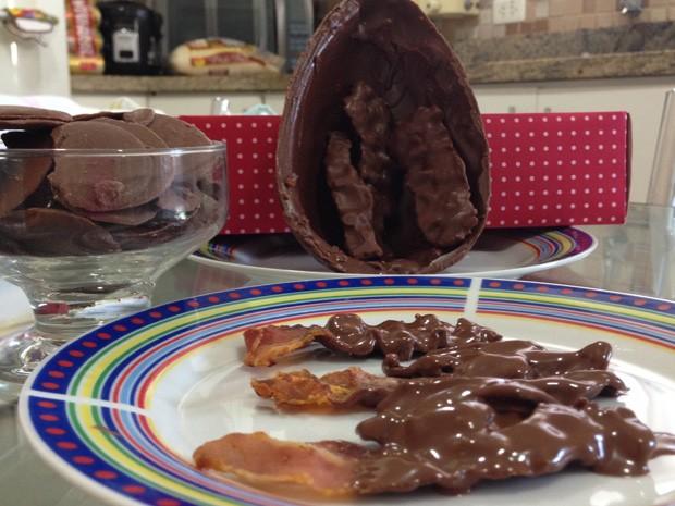 Ovo também conta com tiras de bacon banhadas no chocolate (Foto: Mariane Rossi/G1)