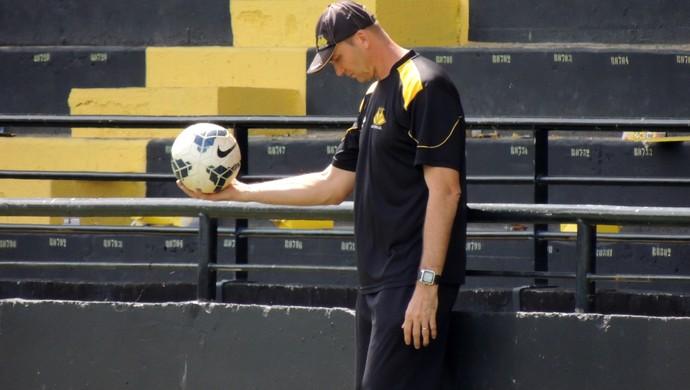 Gilmar Dal Pozzo técnico Criciúma (Foto: João Lucas Cardoso)