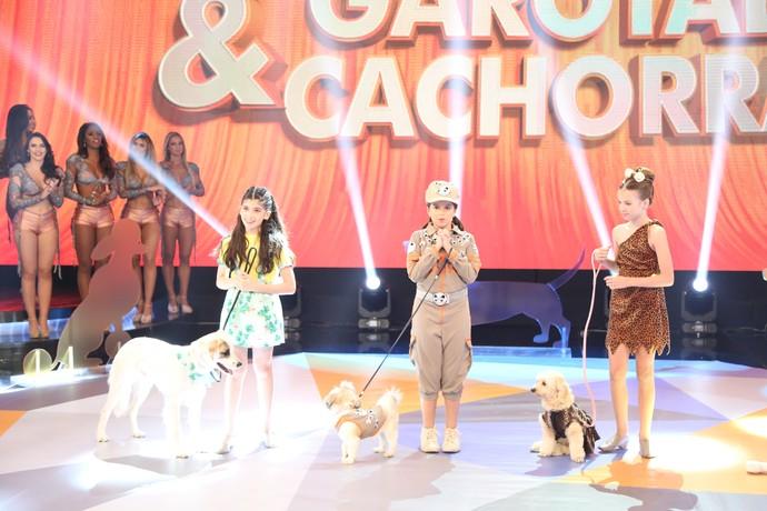 Crianças e seu bichinhos deram um show no palco do Domingão (Foto: Carol Caminha/Gshow)