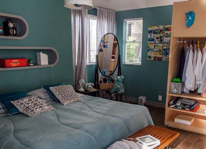 O quarto do Max é descolado como o seu jeito de se vestir (Foto: Arthur Meninea/Gshow)