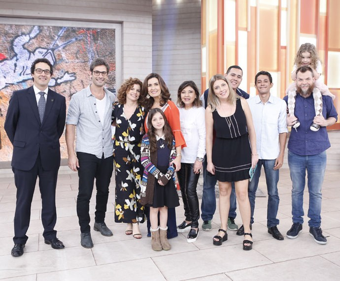 Apresentadora com todos os convidados do programa (Foto: Ellen Soares/Gshow)