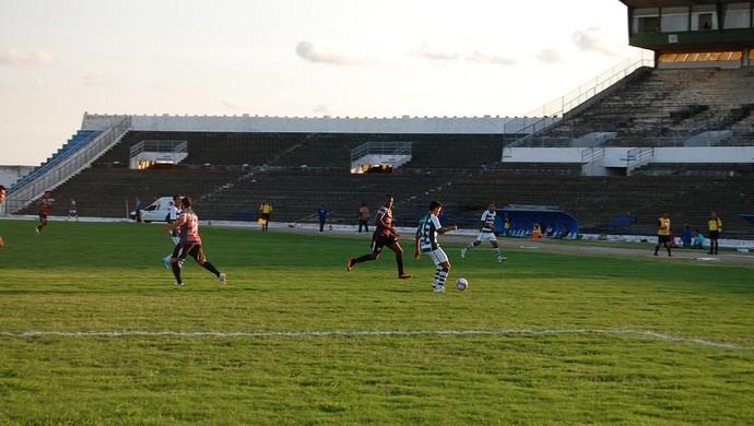 Sport Campina x Santa Cruz, Amigão (Foto: Silas Batista / GloboEsporte.com)