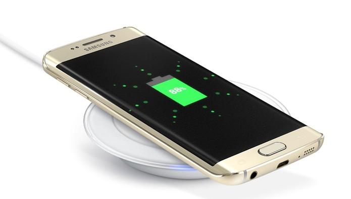 Galaxy S7 deve manter o carregamento sem fio e rápido do S6 (Foto: Divulgação/Samsung)