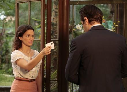 Araújo descobre toda a verdade sobre Sandra e Ernesto