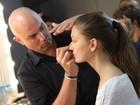Confira imagens dos backstages do primeiro dia de Fashion Rio