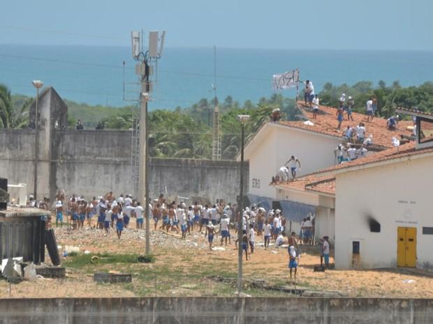 Detentos se rebelam novamente na Penitenciária Estadual de Alcaçuz (Foto: Magnus Nascimento/Tribuna do Norte)