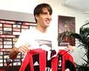 Bojan chega ao Milan e recebe a camisa 22, usada por Kaká na Itália