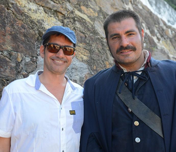 O diretor geral Vinícius Coimbra e o ator Thiago Lacerda, que viverá Tiradentes em 'Liberdade, Liberdade' (Foto: Pedro Carrilho/Gshow)