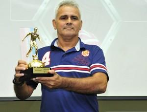 Vevé (Aracruz) foi eleito e melhor técnico do Campeonato Capixaba 2013 (Foto: Bruno Coelho)