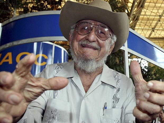 Ramon Castro, gesticulando durante a Feira Internacional de Havana, em outubro de 2006 (Foto: Claudia Daut / Arquivo / Reuters)