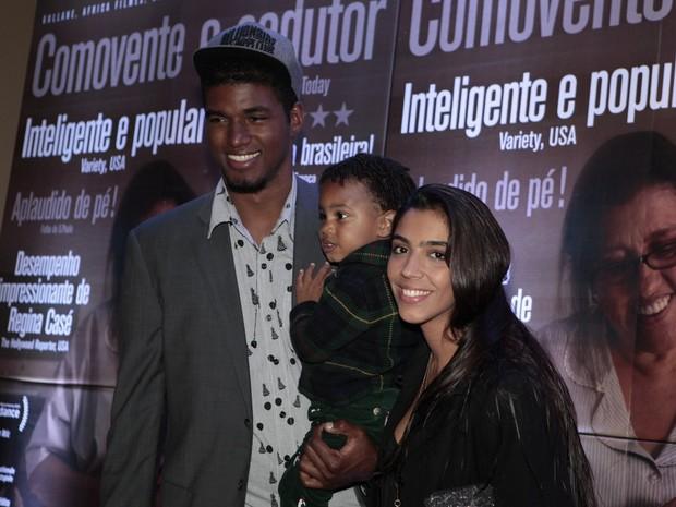 João Pedro Januário e Benedita Casé (Foto: Isac Luz / EGO)