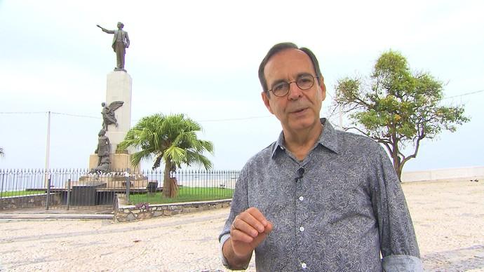 O arquiteto Chico Senna conta a história do monumento a Castro Alves (Foto: TV Bahia)