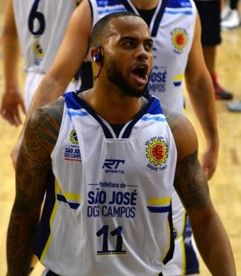 Jamaal Smith São José Basquete carrossel (Foto: Danilo Sardinha/GloboEsporte.com)