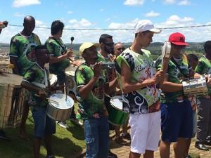 Bateria da Escola de Samba Vem-me-ver de São João del Rei (Foto: Carlos Eduardo Alvim/G1)