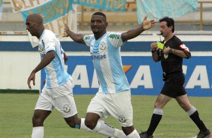 Gol de joão carlos, macaé x paysandu (Foto: Tiago Ferreira)