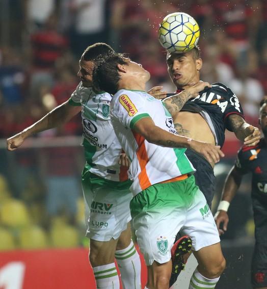 no sufoco (Gilvan de Souza / Flamengo)