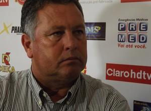 Roberto Cavalo, técnico do Atlético Sorocaba (Foto: Emílio Botta)