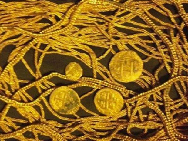 Tesouro encontrado pela família Schmitt na Flórida (Foto: Reprodução/Facebook/1715 Fleet - Queens Jewels)