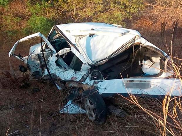 Motorista morre atropelado enquanto trocava pneu de carro em rodovia (Foto: Luciano Kastro/Blog do Braga)