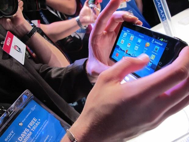A Samsung anunciou tamb�m, durante a IFA, a c�mera fotogr�fica chamada Galaxy Camera, que roda o sistema operacional Android. (Foto: Amanda Demetrio/G1)