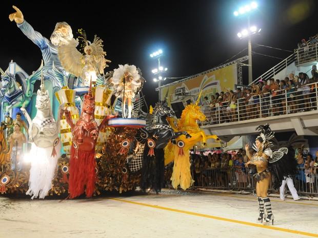 Desfile da MUG. (Foto: Beto Morais/ G1ES)