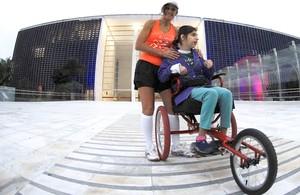 Pais e filhos cadeirantes juntos em São Paulo (Mauro Horita)