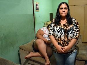 Mãe afirma que menina foi ofendida em escola em Piracicaba (Foto: Fernanda Zanetti/G1)